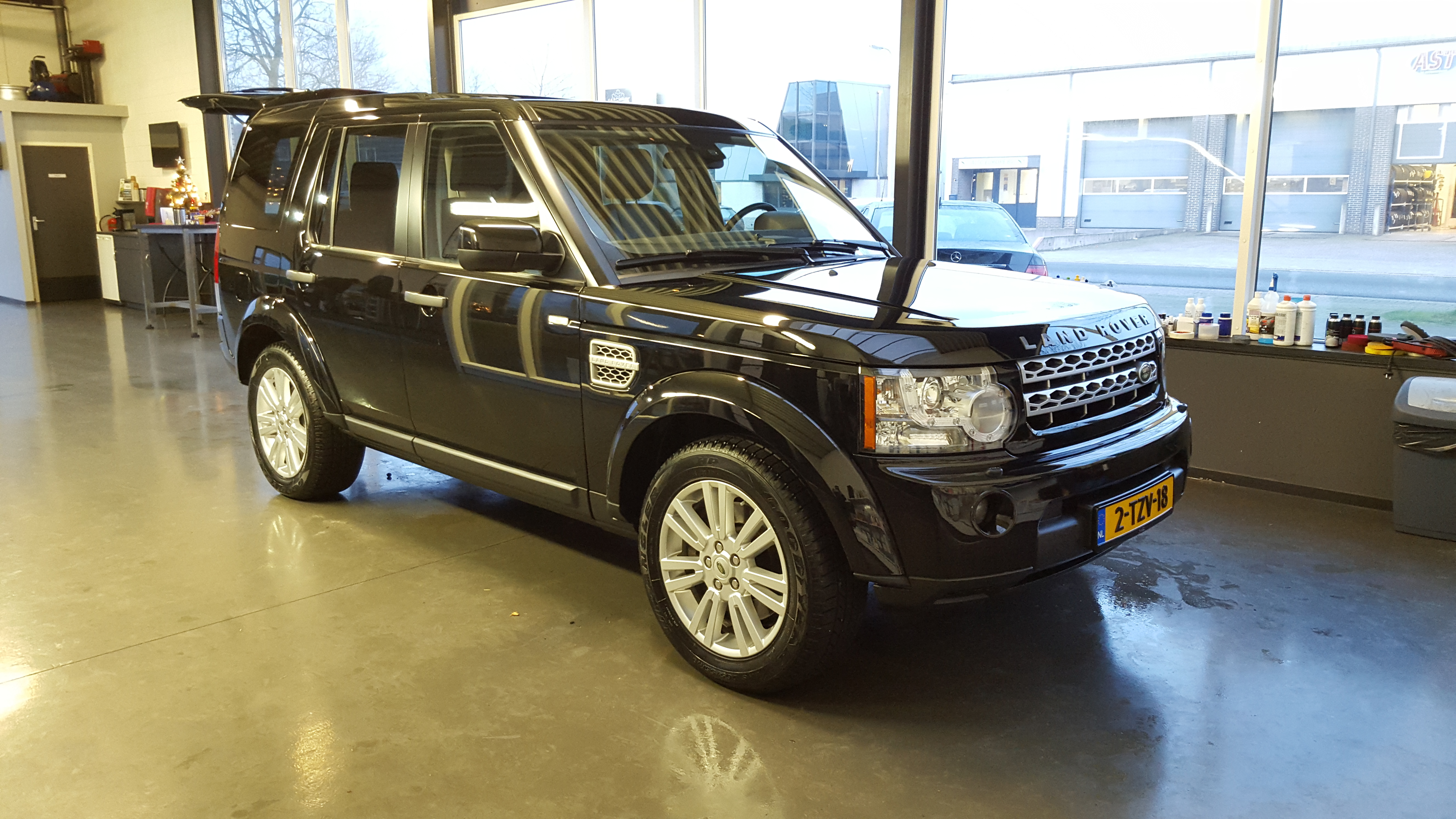 Land Rover Discovery 3.0 SDV6 HSE  2010